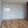 Белый глянцевый шкаф на заказ в Сочи