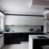 Черно-белая кухня из пластика в Сочи
