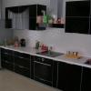 глянцевая, черная кухня из пластика